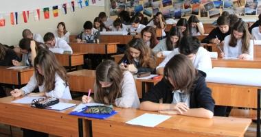 Atenţie, elevi! Viaţă grea  în semestrul II: simulări, evaluări, teze, iar evaluări şi examene
