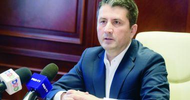 """Primarul Decebal Făgădău nu a semnat inițiativa """"Fără penali în funcții publice"""". Care este explicația"""