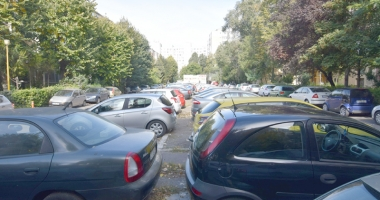 Constănţenii cer parcări în oraş.