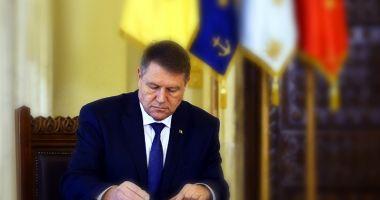 Președintele Iohannis a sesizat CCR cu privire la legea care introduce regimul de detenție la domiciliu