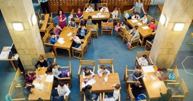 """Biblioteca """"I.N. Roman"""" îi provoacă pe constănţeni: Să petrecem… cultural până la miezul nopţii!"""