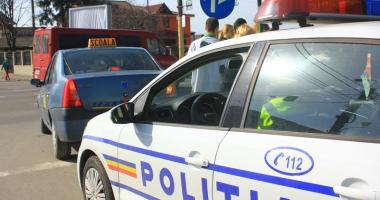 """Foto : Examenul pentru carnetul de şofer va fi înăsprit. Trei probe practice cu poliţişti diferiţi. """"Aşa vom termina cu şpaga"""""""
