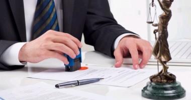 Poate notarul să refuze legalizarea unui act valabil?