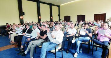 Dispută la ședința CJC. Liberalii acuză conducerea instituției că ignoră proiectele PNL