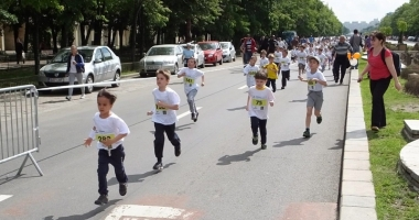 Copiii cu autism îşi depăşesc limitele! Aleargă la Semimaratonul Bucureşti