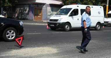 Accidente rutiere profitabile, la Constanţa. Victima se aruncă în faţa maşinii şi apoi cere bani şoferului