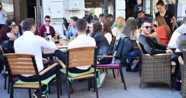 Terase şi restaurante pe trotuare, expoziţii în Piaţa Ovidiu. Cum vrea Primăria să arate Constanţa turistică
