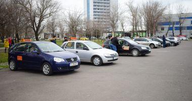 Mulți picați în rândul celor care vor permisul auto. Sunt de vină examinatorii sau emoțiile?