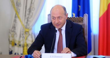 """Traian Băsescu,  ironic despre  vizitele premierului:  """"Merge şi el pe unde mai este primit"""""""