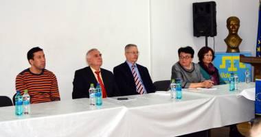 """Fostul rector al Universităţii """"Ovidius"""", la comemorarea unui marcant fizician tătar"""