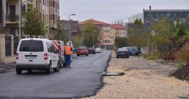 A dat Dumnezeu! A început marea asfaltare în cartierele Compozitorilor şi Baba Novac