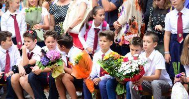 Vacanţa mare devine mai mică! Ministrul Educației a stricat planurile părinților