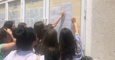 Concurenţă mare la liceele bune! Sute de elevi, departajaţi la sutime pentru admiterea 2019