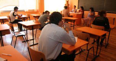 """Foto : Dispare Inspectoratul Şcolar Judeţean? """"Sunt asfixiaţi de birocraţie"""""""