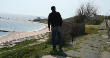 Falezele litoralului se prăbuşesc în mare. Unde au intrat sutele de milioane de euro pentru reabilitarea lor?
