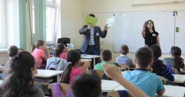 Elevii constănțeni pot câștiga 10.000 lei pentru proiecte dedicate comunității