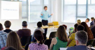 Elevii, excluşi de la masa discuţiilor despre Legea Educaţiei