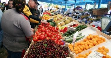 Atenţie, fructe periculoase pe piaţă! Caise şi nectarine din Turcia, otravă curată