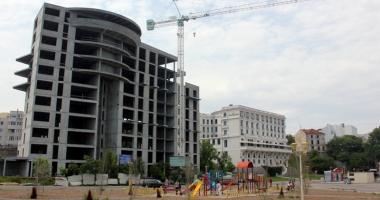 Foto : Hilton nu renun�� la Constan�a! Se caut� investitori pentru hotelul abandonat din Portul Tomis