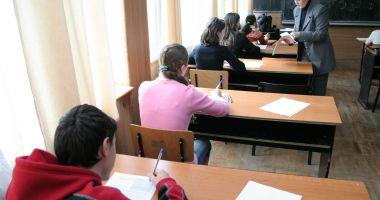 Încep emoţiile examenelor. Elevii susțin astăzi simularea la limba română