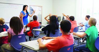 E nevoie de concurenţă între profesori.