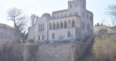 Foto : Istorie vândută bucată cu bucată! Clădirile vechi ale Constanţei, pe piaţa imobiliară