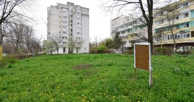 Betoane pe bulevardul Lăpuşneanu. S-a pus cruce pe ultimele două spaţii verzi de vizavi de Tăbăcărie
