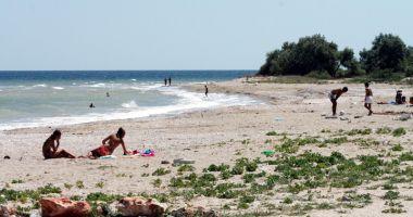 Relaxare, foșnet de valuri și nisip sfârâind, pe plajele sălbatice de pe litoral