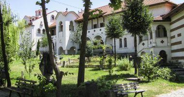 Suflete curate şi linişte. Un alt fel de minivacanţa de Rusalii, la mănăstirile Dobrogei