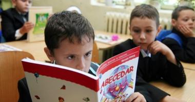 Situaţia livrării în depozitele de carte şcolară a manualelor pentru elevii de clasa a V-a