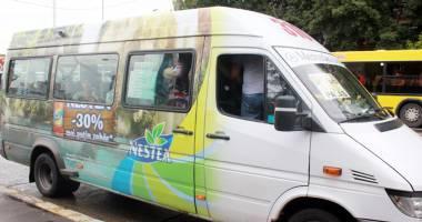 Alo, ANAF? Cine protejează din umbră afacerea cu microbuze maxi-taxi