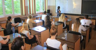 Se pregăteşte o nouă reformă în învăţământ. Elevii cer să fie consultaţi pentru noile legi