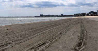 Plajele de pe litoral, curățate de construcțiile ilegale. Mai mulți operatori - amendați!