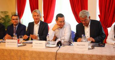 De ce Mamaia nu este Miami? Premierul Ponta, băgat în şedinţă de patronii din turism