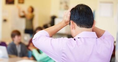 Profesorii vor măsuri de protecţie împotriva violenţei în şcoli.  România are cei mai violenţi elevi