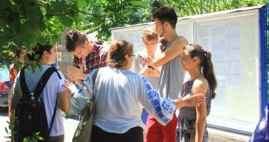 """Foto : AVEM SUBIECTELE DE LA BACALAUREAT! Iată ce le-a """"picat"""" elevilor la ROMÂNĂ SCRIS"""