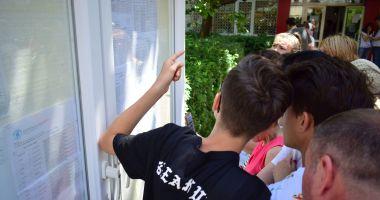 """Împărţirea locurilor la clasa a IX-a! Cine """"culege"""" elevii cu medii sub 5 la Evaluarea Naţională"""