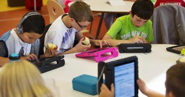 Proiect SF sau şanse reale? Şcolile  din Constanţa vor avea table inteligente  şi elevii vor învăţa de pe tablete