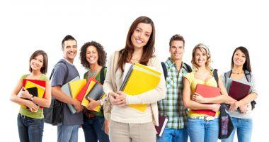 Studenţie în străinătate. De la taxe, la uşile care se deschid larg