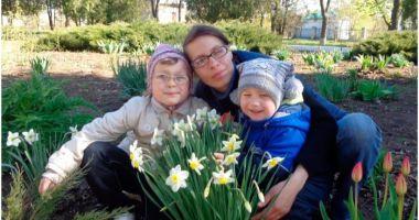 Doi frați de 7 și 10 ani au fost găsiți morți într-un cufăr în Ucraina