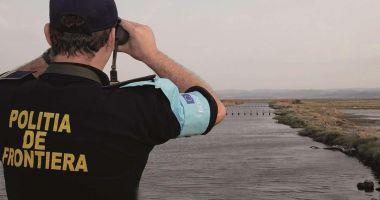 Apreciați în misiunile internaționale. Unul din cinci polițiști permanenți ai FRONTEX este român!