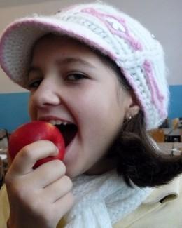 Şi elevii clasei pregătitoare vor primi fructe