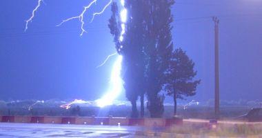 COD PORTOCALIU de ploi, la Constanţa! RAJA prelungeşte Comandamentul pentru Situații de Urgență