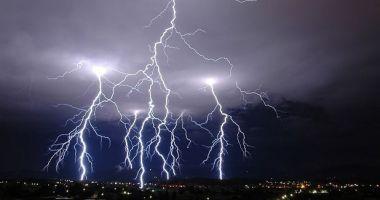 Fenomen rar. Europa, lovită de peste 175.000 de fulgere în 2 zile