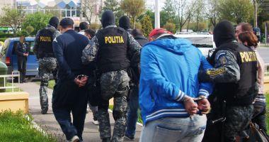 Spărgători de locuințe, prinși în flagrant de poliţiştii constănţeni
