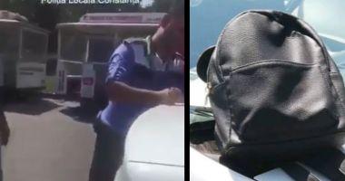 VIDEO / Două hoaţe care furaseră un rucsac, prinse de politiştii locali