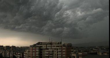 Vremea rea face ravagii! Noi alerte meteo emise de ANM