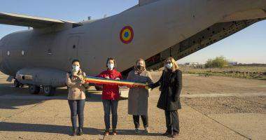Galerie foto / 14 medici și asistenți români au plecat la Milano, în sprijinul personalului medical italian