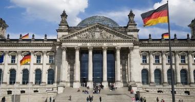 Germania acordă azil unor militari turci