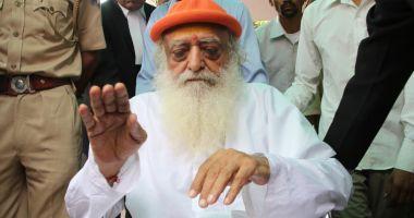 Celebru guru indian, condamnat la închisoare pe viață pentru violarea unei adolescente